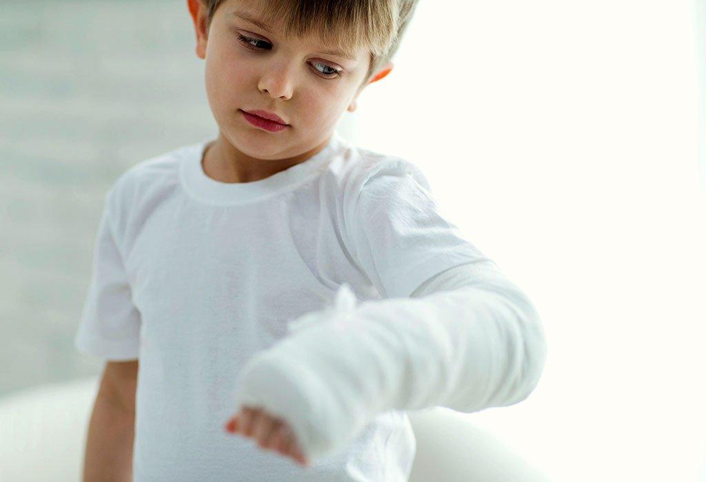 Κάταγμα στο χέρι σε παιδί και παραμόρφωση
