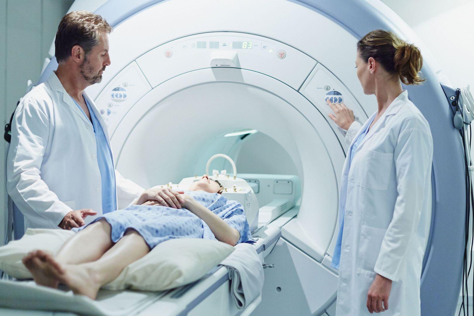 Μαγνητική τομογραφία και υλικά οστεοσύνθεσης